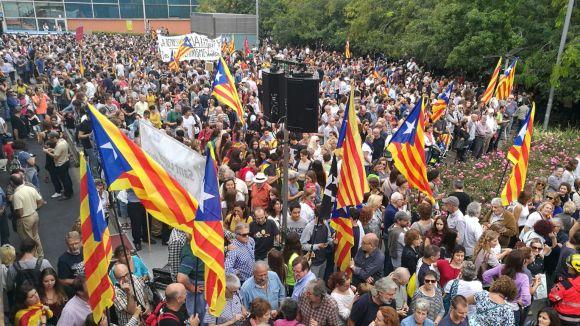 4.000 persones fan història a Sant Cugat amb una concentració multitudinària a favor de la democràcia