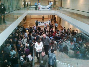 El treballadors d'HP tornen a manifestar-se contra els acomiadaments 'express'