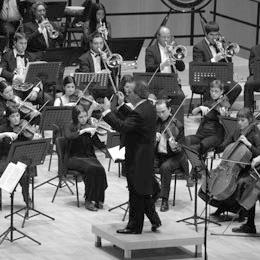 L'OSSC actuarà també aquest divendres amb la pianista Maria Lluïsa Cantos