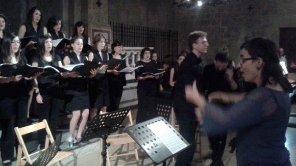 La veu de la dona ressona al temple del Monestir amb els cors Aglepta i Zóngora