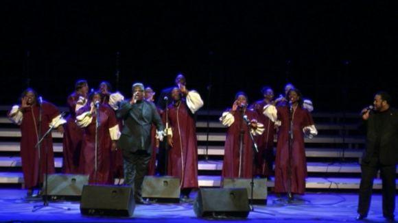 Un concert carregat de vitalitat ret homenatge a la gent gran