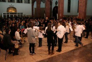 El concert de Nadal de l'Escola de Música de Valldoreix omple l'església de l'Assumpció