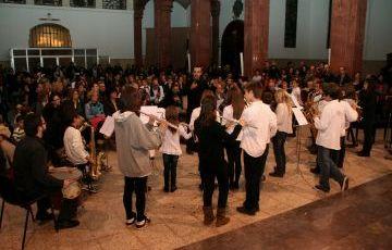 L'escola de Música de Valldoreix omple l'església de l'Assumpció en el seu concert de Nadal