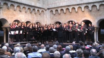 Un emotiu concert en homenatge a Joan Solà inaugura les 'Nits de Música al Claustre'