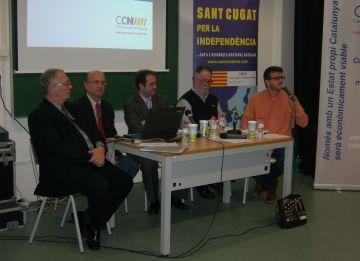 Els ponents durant la conferència a la Casa de Cultura