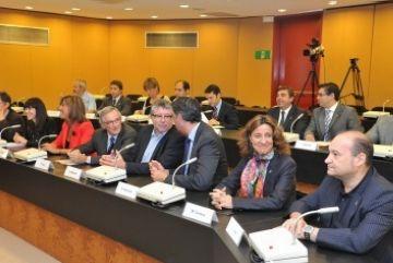 El transport, el medi ambient i l'economia, eixos de la nova Àrea Metropolitana de Barcelona