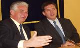 L'alcalde Recoder i Josep Maria Negre en l'acte de signatura del conveni