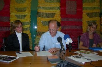 L'entitat santcugatenca Totes les Mans i la 'municipalidad' de Montevideo signen un conveni