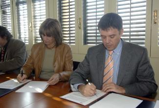 La UOC, associada a Cugat.cat, arriba als 33.000 estudiants