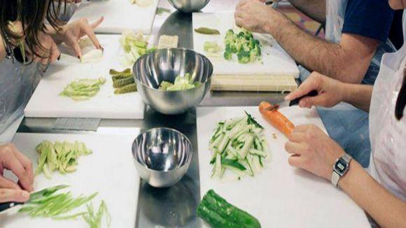 Arrenquen els tallers de cuina organitzats per Cugat.cat i Cookiteca