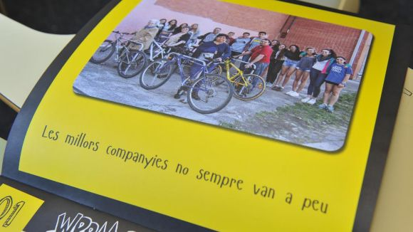 AVAN implica els alumnes de l'institut Arnau Cadell al 6è calendari solidari