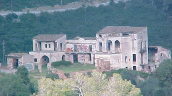 Sant Cugat obre la porta a convertir algunes masies en hotels