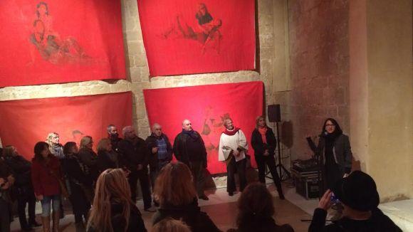 Cori Mercadé dóna un nou significat a la icona de la Pietat a la mostra 'Draps'