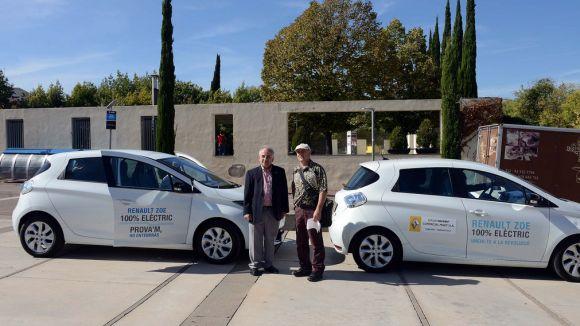 Una vintena de cotxes de la 2a Ruta Elèctrica Catalana fa parada a Sant Cugat