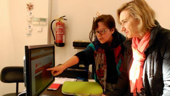 Cristina Monteagudo i Susanna Pellicer durant la presentació del portal