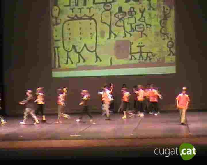 Els nens presenten el resultat del 3r Cicle Dansa a les Escoles