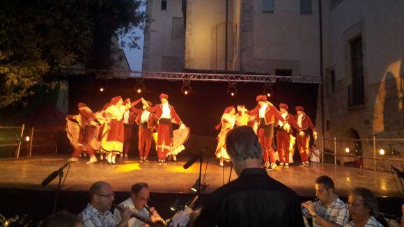 Sant Cugat manté viva la dansa més tradicional