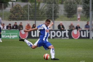 David López disputa els darrers minuts de partit amb l'Espanyol