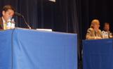 L'alcalde Recoder ha estat l'encarregat de moderar el debat, que s'ha celerat al Teatre-auditori