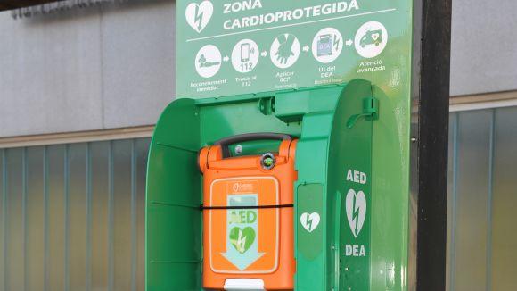 Instal·lats els 16 primers desfibril·ladors perquè Sant Cugat estigui cardioprotegida