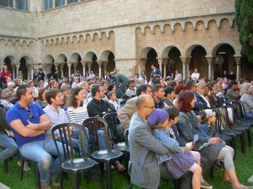 La celebració del Dia d'Europa reuneix centenars de ciutadans al Claustre