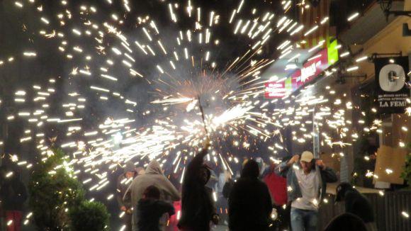 El correfoc de Festa Major ha il·luminat un any més els carrers de Sant Cugat