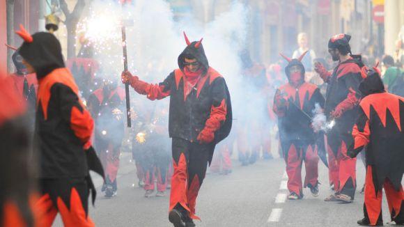 Els Diables tanquen el seu primer quart de segle amb un correfoc multitudinari
