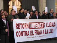 La Comissió de la Dignitat reclama judicialment els 'papers' retinguts durant el primer retorn