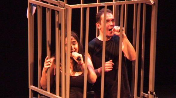 Femarec se supera a l'obra 'El discret encant de la gàbia'