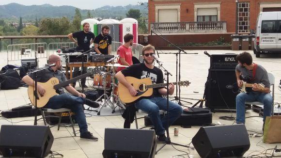 Dissidència Sònica reivindica la música local amb la gravació d'un recopilatori a la plaça del Rei
