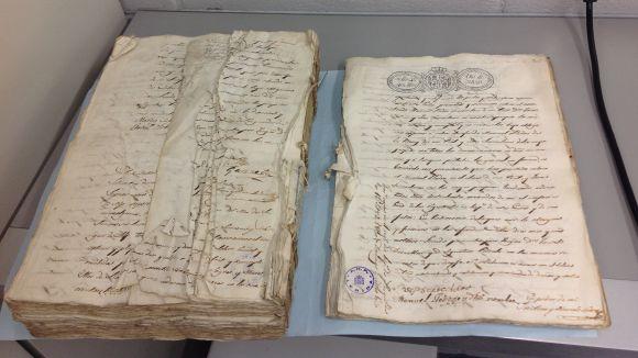 Documents restaurats pel CRBMC de l'Arxiu Històric de Lleida / Foto: Departament de Cultura