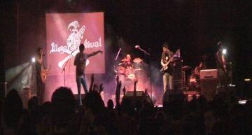 El grup Don Johnsons guanya l'Illegal Festival durant l'última nit de Barraques
