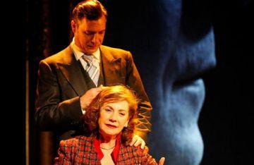 El triangle amorós de 'La dona justa' de Márai, avui al Teatre-Auditori