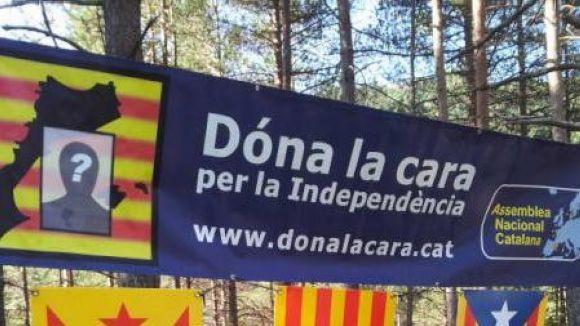 Més de 386 santcugatencs han donat la cara per la independència