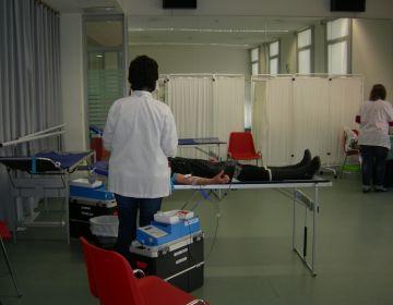 Una quarantena de santcugatencs participen a la jornada de donació de sang