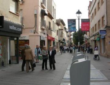 Els comerços de la ciutat se sumen a la diada de Sant Jordi amb descomptes i promocions especials