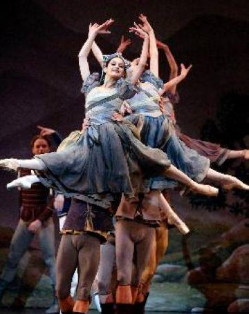 El taller del Teatre-Auditori elabora una escenografia pel ballet d'Ángel Corella