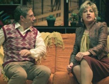 La comèdia d'embolics 'El joc dels idiotes' arrenca el riure del públic del Teatre-Auditori
