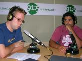 Pau Debon (dreta) durant l'entrevista a Ràdio Sant Cugat