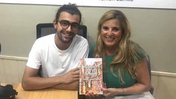 L'escriptora Cristina Gómez presenta la seva primera novel·la al magazín 'Connectats a l'estiu'