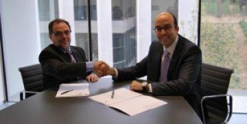 Moment de la signatura del pacte