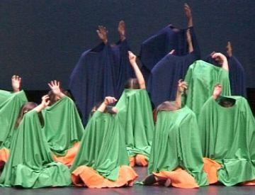 L'escola de ball de l'Esbart celebra els seus 24 anys buscant la complicitat dels santcugatencs