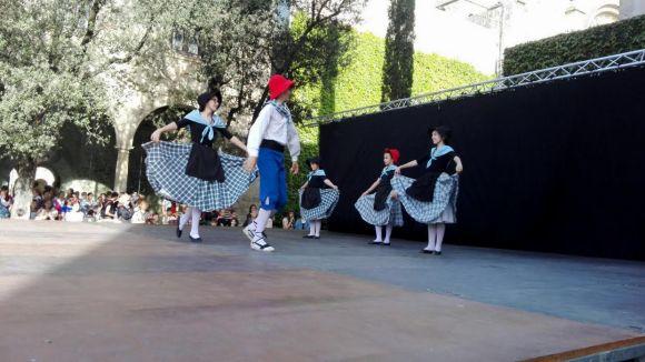 Una setantena de nens participa a la Trobada d'Esbarts Infantils de Sant Cugat