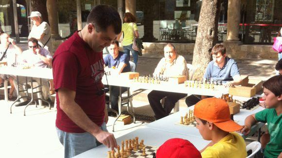 Les partides simultànies del Club Escacs Sant Cugat sumen 33 participants