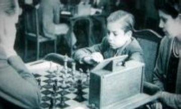 Arriba l'Arturo Pomar d'escacs