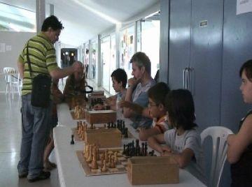 La manifestació treu protagonisme a la simultània d'escacs