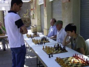 Simultània d'escacs a la Festa Major de la Floresta