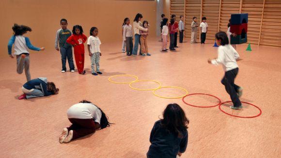 L'Ajuntament estudia enquestar les famílies sobre les zones d'escolarització