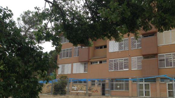 L'Ajuntament arranjarà la tanca de l'escola La Floresta, però de moment no hi farà més actuacions