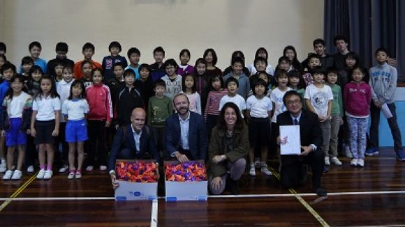 El Col·legi Japonès i el Pureza de María participen en la iniciativa '1 Origami 1 euro'